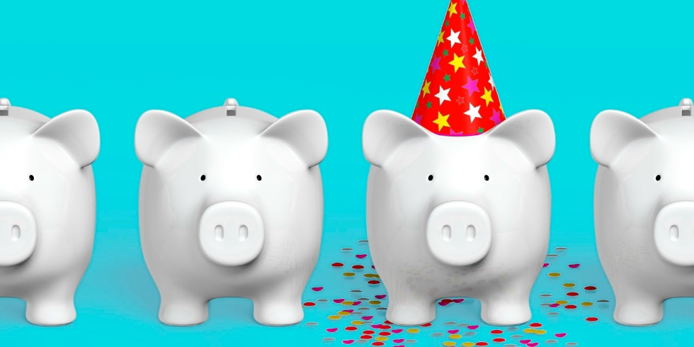 new year financial tips blog pic piggy bank.jpg